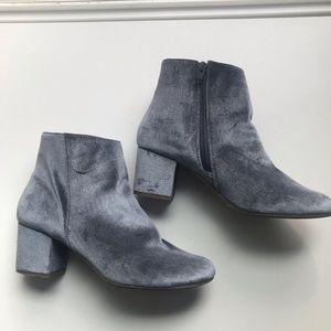 👽Grey Velvet Booties